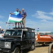 S et P Persyn, JF Tardiveau et leur drapeau