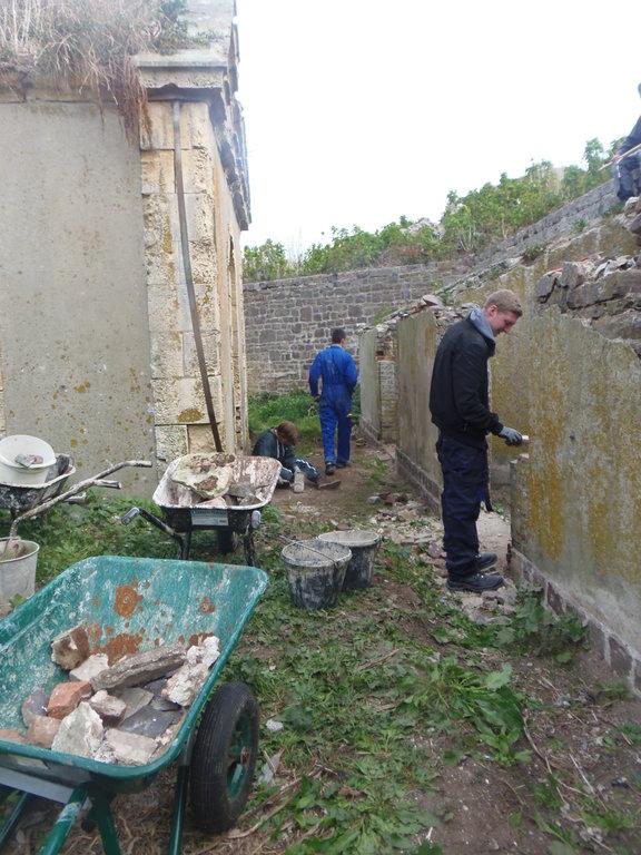 Reprise des encadrements de porte en brique