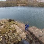Récupération d'eau de mer depuis le môle