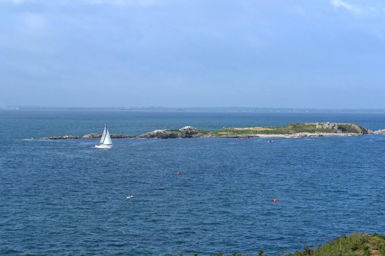 Ile de terre vue de l'ile du Large