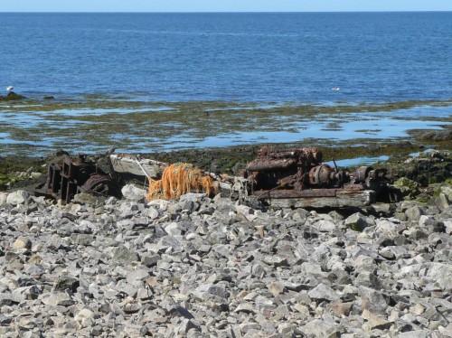 Vestiges du chalutier beau rivage échoué sur l'île en 1978