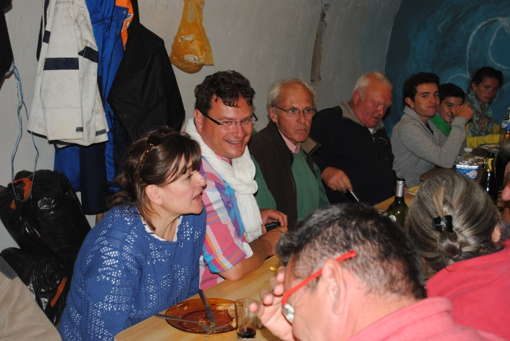 Déjeuner dans la poudrière : JP Brix, P Gosselin et son épouse